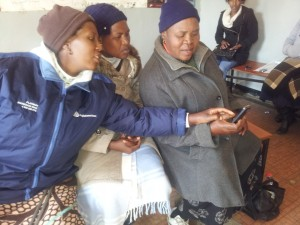 picture from healthworkscollective.com article 'Mobile Health Around the Globe: Empowering Rural Health Workers with Mobile Video', 2013